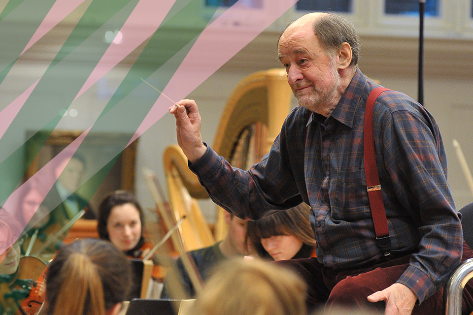 Sir Roger Norrington conducting the RCM Symphony orchestra
