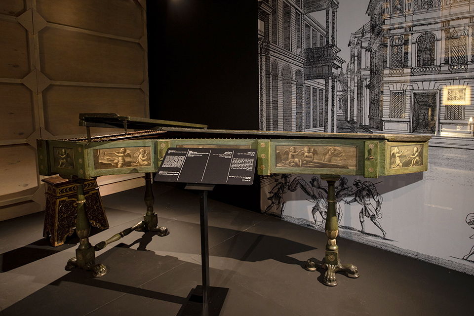 Royal College of Music Museum sends 16th-century harpsichord to Oman