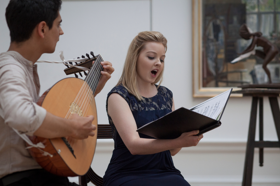 An RCM lutenist and vocalist perform at the Royal Academy of Arts