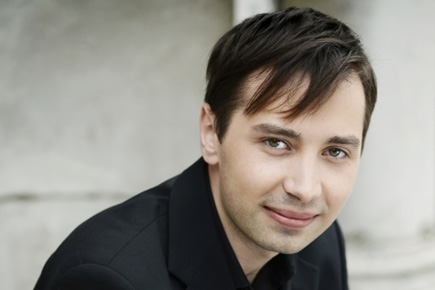 Adam Walker becomes RCM flute professor